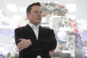 Billionaire Elon Musk calls this a 'powerful, powerful way of thinking'—but is 'hard to do.' Here's how it works
