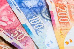 S.Africa's rand rises on Fed support even as lockdown looms