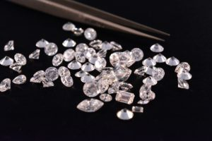 Botswana government says no guarantee on De Beers sales deal by end-2020
