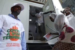 Côte d'Ivoire sends mobile clinics to speed up COVID vaccinations