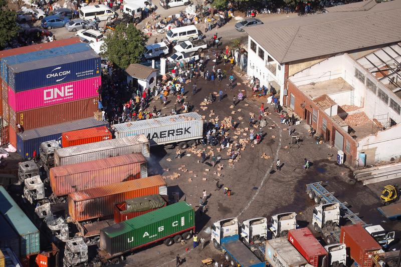 South Africa violence, looting ebbs but death toll up to 117