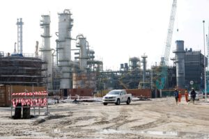 Nigeria's Dangote in talks with traders for oil refinery loan